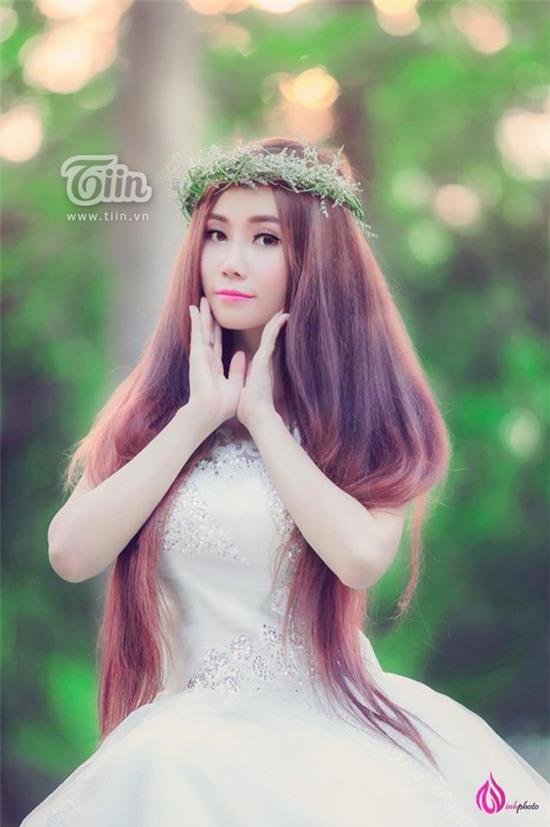 Nữ sinh Việt gốc Pháp sở hữu suối tóc nhiều người mê mẩn