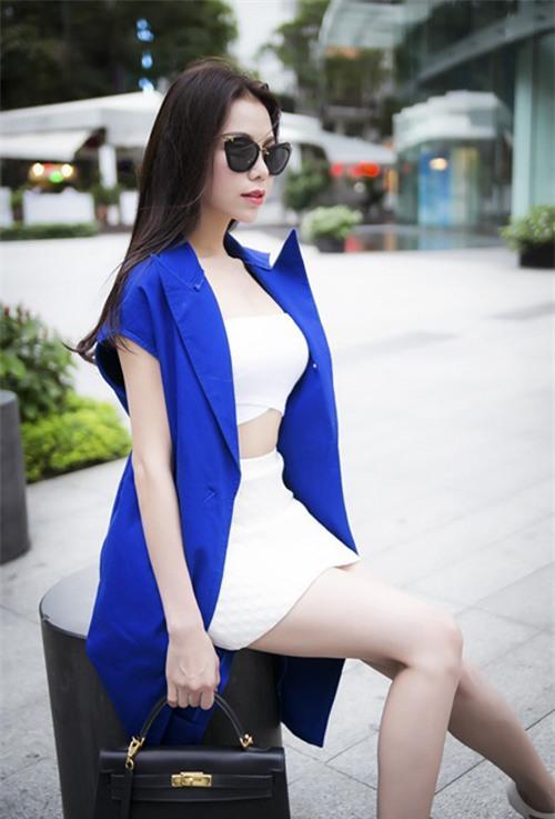 Sao Việt Phối Màu Xanh Cobalt Sành điệu