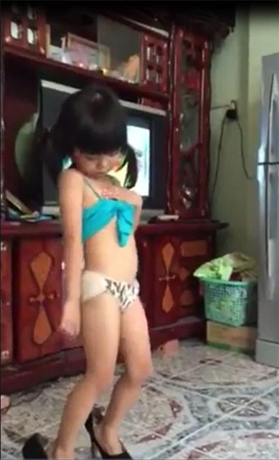 bé gái nhảy sexy