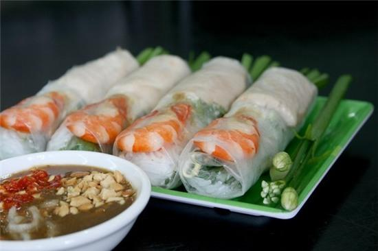 Những món cuốn Việt làm mê mẩn du khách quốc tế