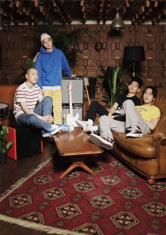"""Indie Review: Hyukoh Keeps It Chill With """"Comes And Goes"""" [VIDEO]"""