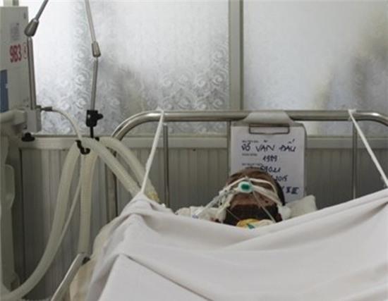 Anh Đấu trong những ngày còn điều trị tại bệnh viện Chợ Rẫy