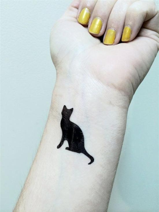 goi y hinh xam don gian nhung cuc xinh danh cho co nang yeu meo 13 Gợi ý hình xăm đơn giản nhưng cực xinh dành cho cô nàng yêu mèo