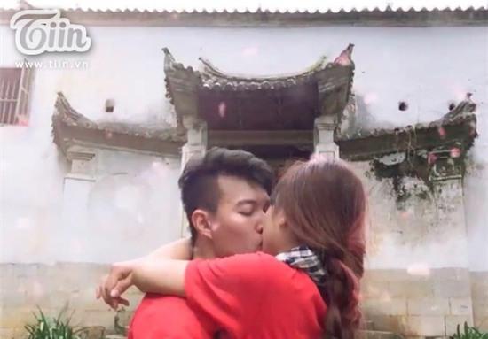 Chuyện tình yêu ngọt ngào của cặp đôi mê phượt tỏ tình hai lần… thất bại