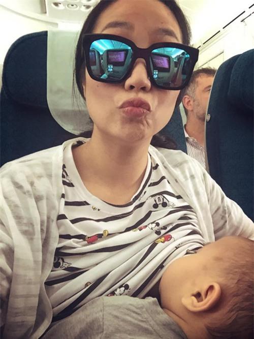 Hình ảnh hai mẹ con Ốc Thanh Vân.