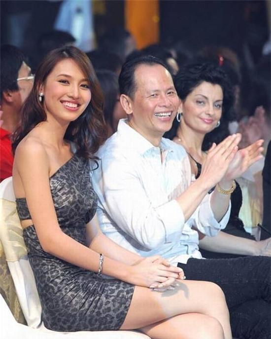 Hình ảnh hiếm của Huỳnh Thanh Tuyền và chồng thời gian gần đây