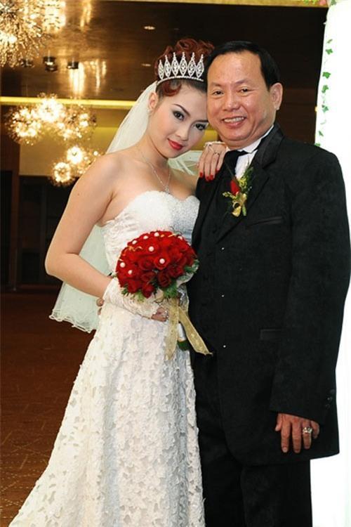 Nguyễn Cao Thu Vân nhanh chóng kết hôn và chia tay với chồng là giám đốc công ty quảng cáo và tổ chức sự kiện