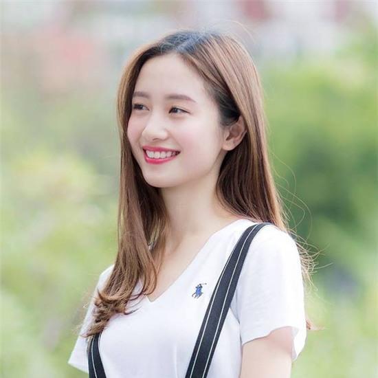 Jun Vũ được hàng loạt trang báo Trung Quốc đưa tin vì quá giống Angela Baby - Ảnh 11.