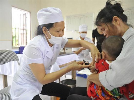 Vaccine Pentaxim cũng gây phản ứng phụ