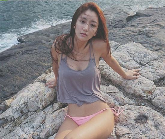 Giới trẻ Hàn Quốc và Thái Lan đều mê mệt vòng 2 của cô DJ này - Ảnh 5.