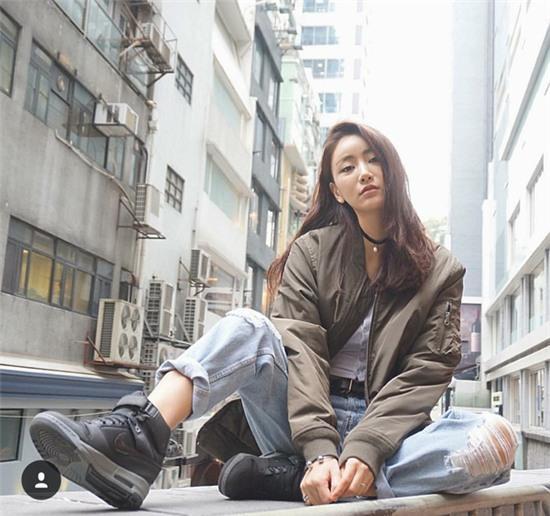 Giới trẻ Hàn Quốc và Thái Lan đều mê mệt vòng 2 của cô DJ này - Ảnh 8.