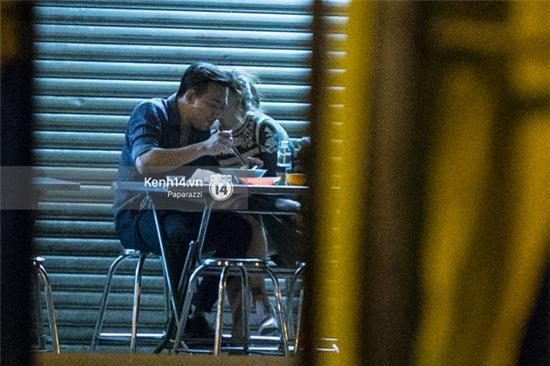 Hậu chia tay Tiến Đạt, Hari Won bị bắt gặp say đắm hôn Trấn Thành giữa đêm khuya - Ảnh 14.