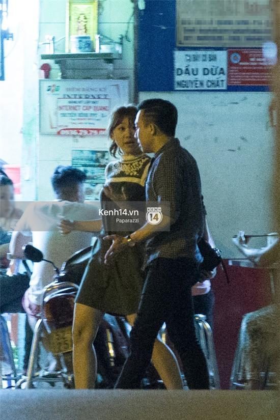 Hậu chia tay Tiến Đạt, Hari Won bị bắt gặp say đắm hôn Trấn Thành giữa đêm khuya - Ảnh 20.