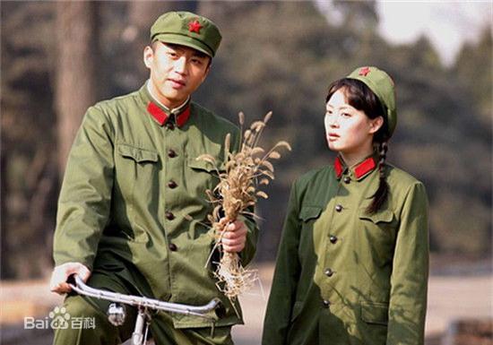 Bốn mối tình đáng ngưỡng mộ từ màn ảnh ra đời thật của sao Hoa ngữ - Ảnh 3.
