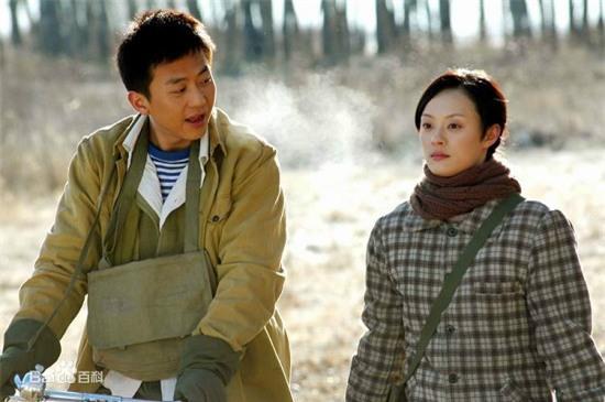 Bốn mối tình đáng ngưỡng mộ từ màn ảnh ra đời thật của sao Hoa ngữ - Ảnh 4.