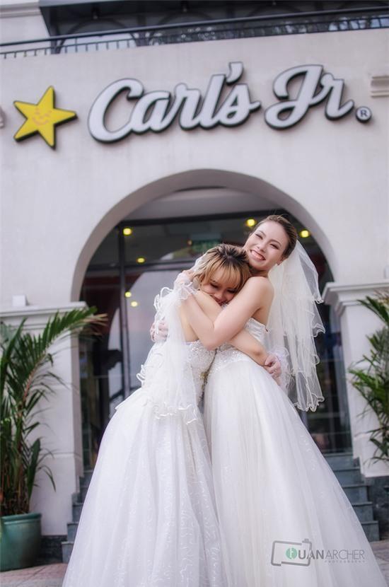 Hai cô gái đi chụp ảnh cưới sau khi chia tay bạn trai: Tình cảm của chúng mình là thật - Ảnh 3.