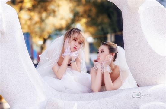 Hai cô gái đi chụp ảnh cưới sau khi chia tay bạn trai: Tình cảm của chúng mình là thật - Ảnh 6.