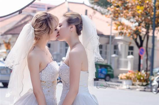 Hai cô gái đi chụp ảnh cưới sau khi chia tay bạn trai: Tình cảm của chúng mình là thật - Ảnh 7.