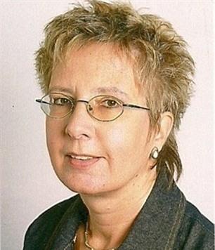 Bà Claudia, vợ ông Manfred. Ảnh: Daily Mail