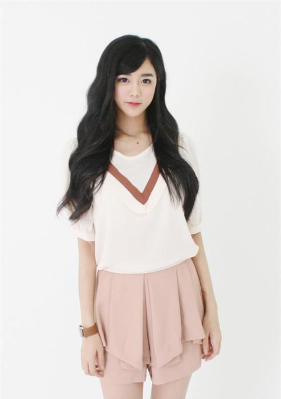 Cô gái Hàn Quốc gây sốt 9gag vì mặt xinh, thân hình như bước ra từ truyện tranh - Ảnh 11.