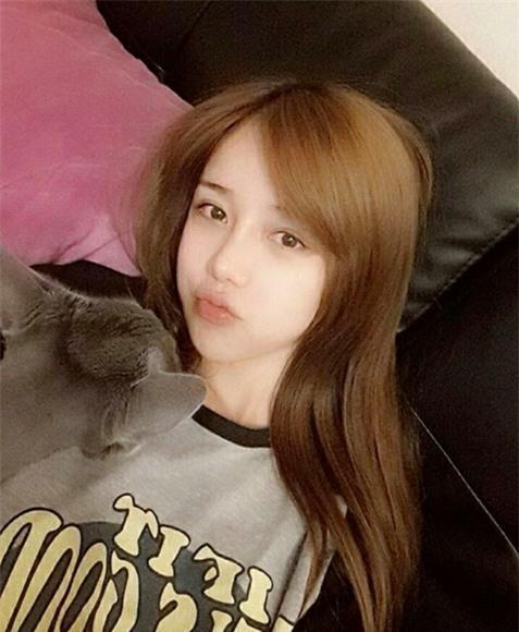 Cô gái Hàn Quốc gây sốt 9gag vì mặt xinh, thân hình như bước ra từ truyện tranh - Ảnh 9.
