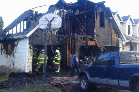 Bị đình chỉ học, bốn học sinh trung học rủ nhau đi đốt nhà thầy hiệu trưởng - Ảnh 2.