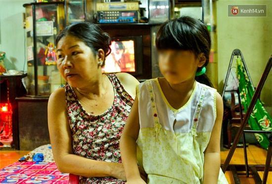 Hàng trăm người bao vây đánh đôi nam nữ nghi bắt cóc trẻ em ở Sài Gòn: Chỉ là hiểu lầm! - Ảnh 2.