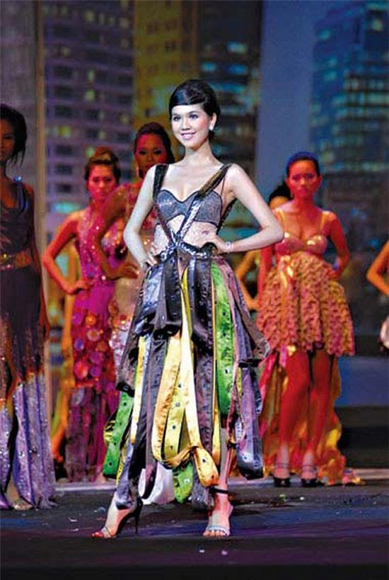 Ngọc Trinh: từ mẫu diễn hội chợ đến nữ hoàng nội y của Việt Nam - Ảnh 5.