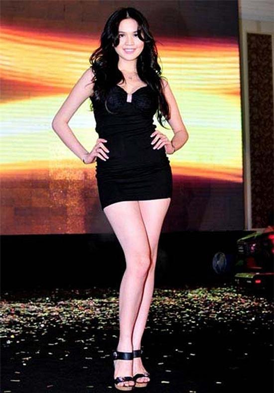 Ngọc Trinh: từ mẫu diễn hội chợ đến nữ hoàng nội y của Việt Nam - Ảnh 6.