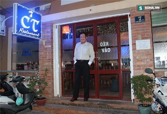 Nguyễn Chánh Tín bảo, thực đơn của quán đều do vợ đảm đương.