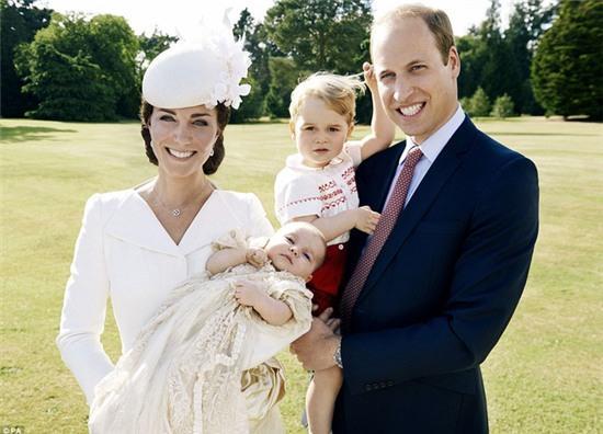 Công chúa nhỏ nước Anh xinh xắn trong loạt ảnh mừng sinh nhật đầu tiên - Ảnh 9.
