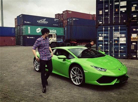 Chiếc siêu xe Lamborghini Huracan màu xanh cốm tuyệt đẹp của đại gia Phan Thành. Ảnh: FBNV