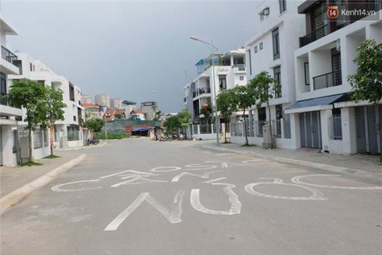 Biệt thự tiền tỷ ở Hà Nội 2 năm không có nước sạch phục vụ sinh hoạt - Ảnh 2.