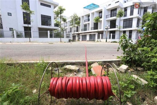 Biệt thự tiền tỷ ở Hà Nội 2 năm không có nước sạch phục vụ sinh hoạt - Ảnh 7.