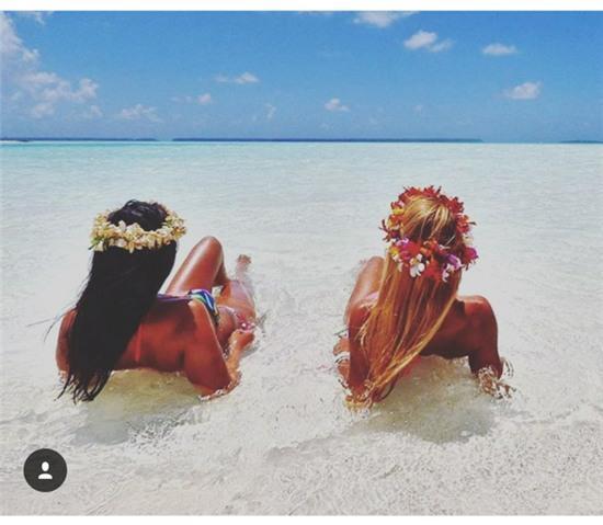 Hai cô gái xinh đẹp mở màn trào lưu đi du lịch cùng bạn gái thân khắp thế giới - Ảnh 32.