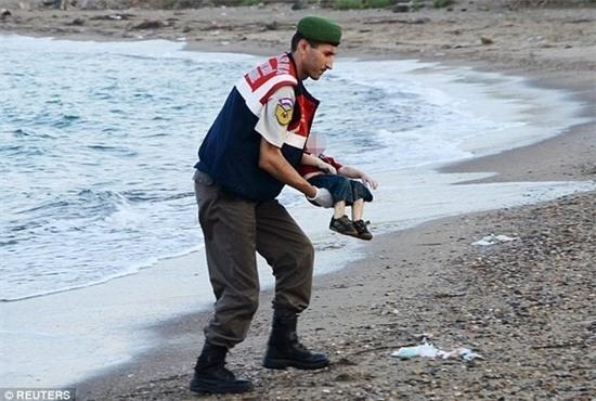 cậu bé tị nạn Syria