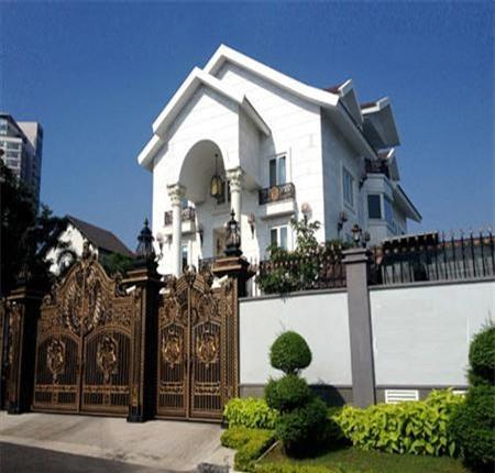 Choáng ngợp với những căn nhà 'khác người' giá triệu đô của sao Việt - Ảnh 4