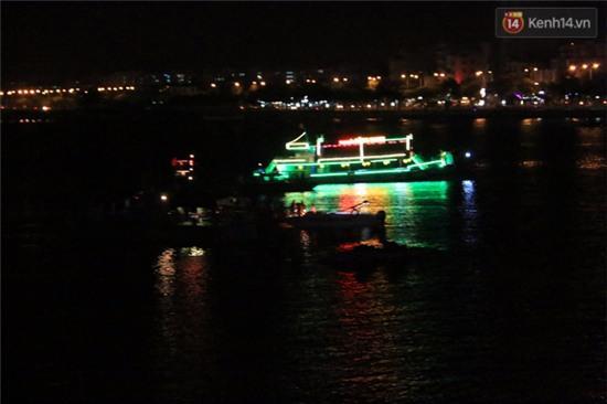 Trắng đêm tìm kiếm nạn nhân mất tích trong vụ lật tàu chui giữa sông Hàn - Ảnh 3.