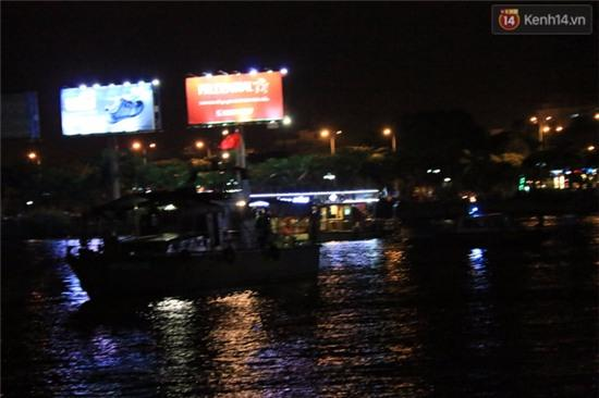 Trắng đêm tìm kiếm nạn nhân mất tích trong vụ lật tàu chui giữa sông Hàn - Ảnh 4.
