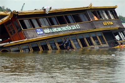 Những vụ chìm tàu du lịch đầy ám ảnh tại Việt Nam - Ảnh 3.
