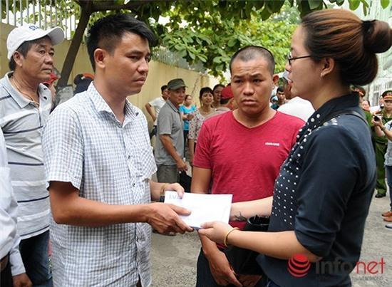 Người Đà Nẵng xin lỗi các nạn nhân vụ lật tàu du lịch trên sông Hàn - Ảnh 1.