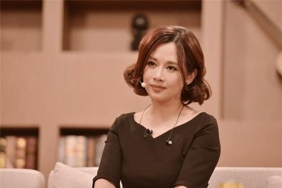 Hoa dan TVB lan dau tiet lo cuoc song vo gia cu, suyt tu tu hinh anh 1