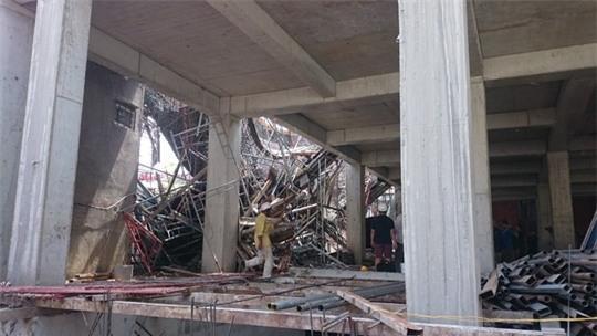 Những hình ảnh thương tâm từ vụ sập giàn giáo ở Vũng Tàu - 2