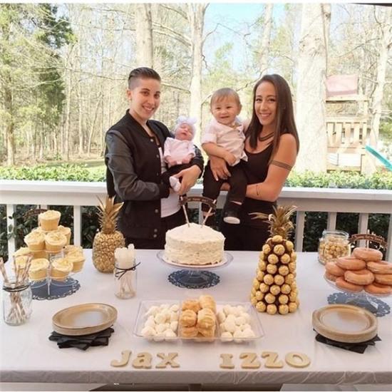 Gia đình hạnh phúc của cặp đôi đồng tính nữ cùng nhau sinh con khiến người ta thêm tin vào tình yêu - Ảnh 8.