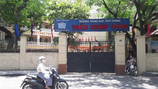 Trường THPT Trần Nhân Tông nơi bà Hà làm việc. Ảnh TG