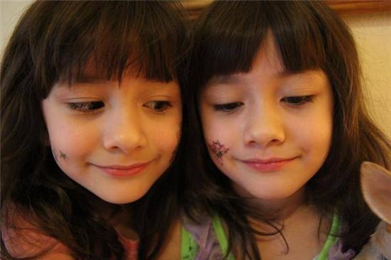 Hai chị em sinh đôi Mỹ lai Hàn nổi tiếng một thời giờ ra sao? - Ảnh 8.