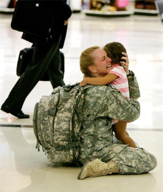 Những bức ảnh gia đình khiến hàng triệu người bật khóc - Ảnh 3.
