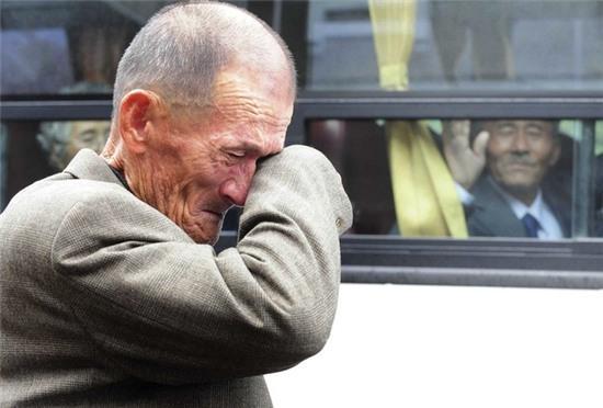Những bức ảnh gia đình khiến hàng triệu người bật khóc - Ảnh 5.