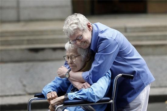 Những bức ảnh gia đình khiến hàng triệu người bật khóc - Ảnh 7.