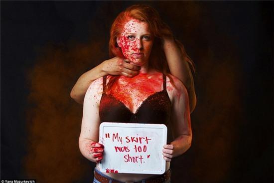 Loạt hình ám ảnh khi phụ nữ bị đổ tội cho các vụ tấn công tình dục - Ảnh 4.